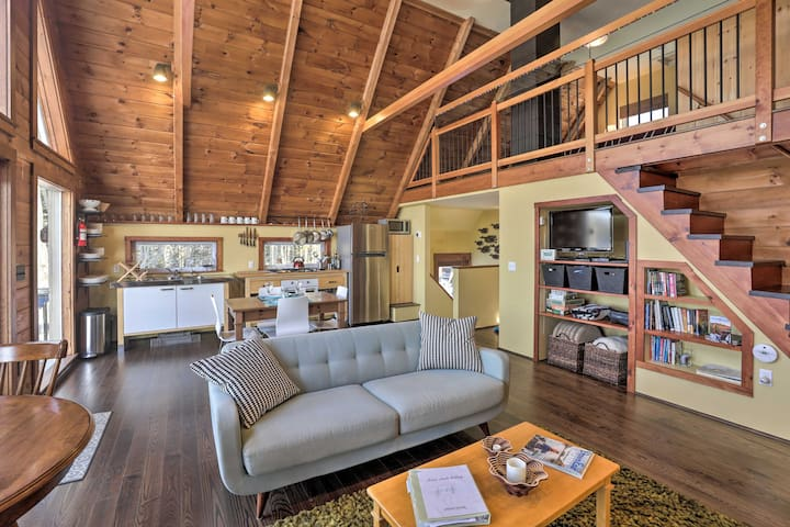 South Thomaston A-Frame Cottage Secluded on Water!