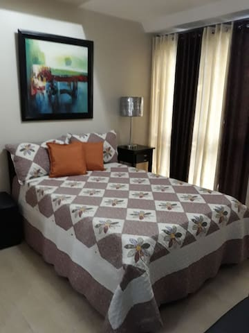 Eastwood City, Furnished Studio(X), with free Wifi