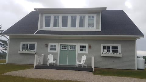 New Listing!  Ocean Front access from Cottage.
