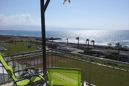 Luxury Beachfront Penthouse-W Coast - Guzelyurt - 公寓