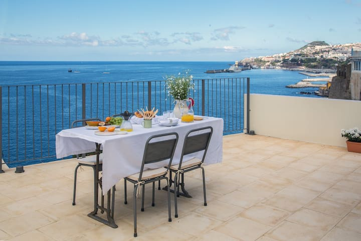 NEW! Isabel´s Villa - Funchal Seaside Villas - Funchal - Huis