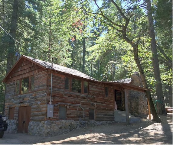 Mountain Retreat at Happy Holler Cabins - Palomar Mountain - Cabana