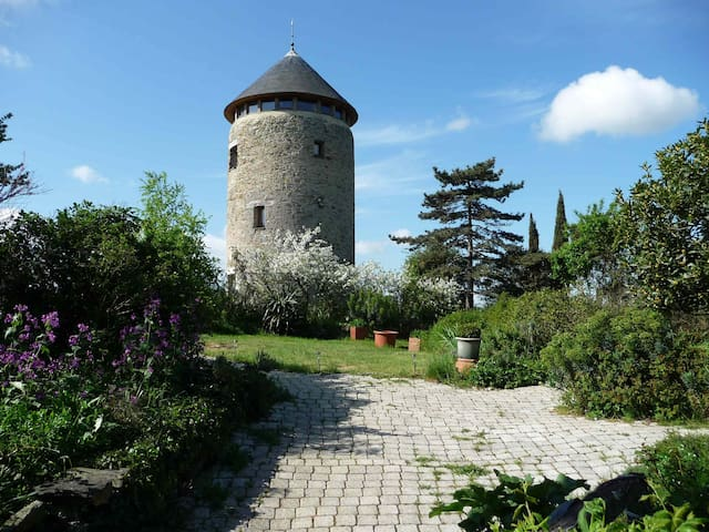 tour d'un moulin à vent,  vue époustouflante - Rochefort-sur-Loire - Casa