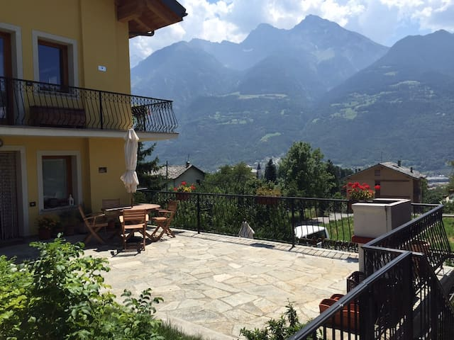 Appartamento a 5 minuti dal centro - Aosta - Byt