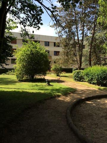 Appartement 4 pièces - L'Étang-la-Ville - Apartamento