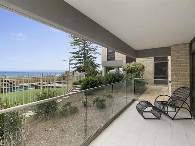 South Australia's Beachside Retreat - Glenelg - Apartamento