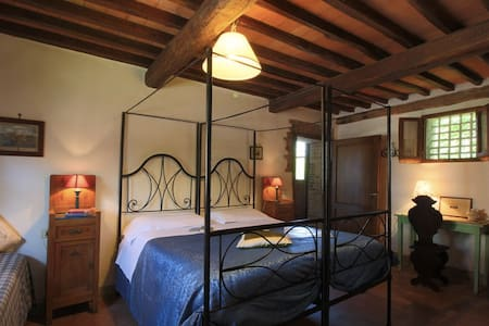 Tuscan farmhouse,Siena @ 10 minutes,2shared pools - Siena - House
