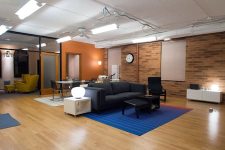 Huge! 2 BR Space in River North