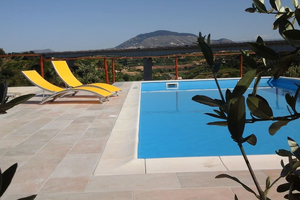 B b pelagos con piscina bed and breakfasts for rent in - B b con piscina sicilia ...