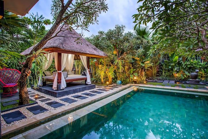 Luxury 1-BR Private Pool Villa Canggu Bali!