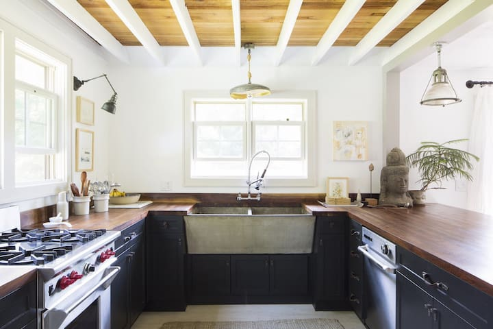 Modern Designer Farmhouse Sleeps 4+ - Napanoch - Hus