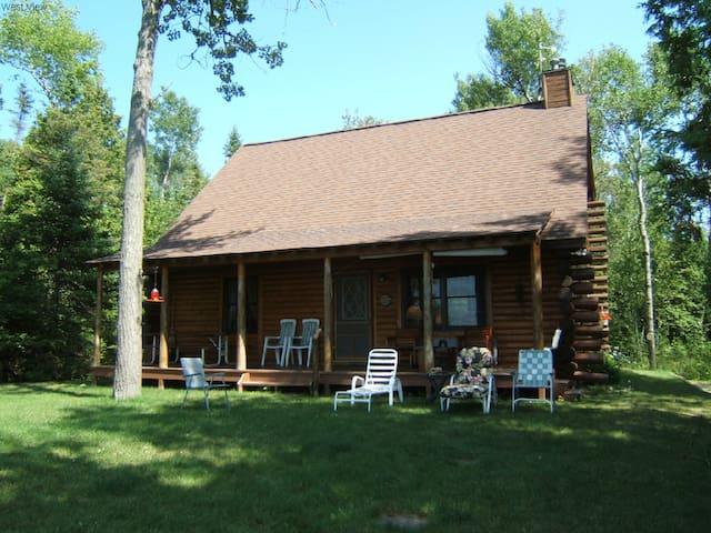 Bruen's Cabin on the Lake - Northport - Casa