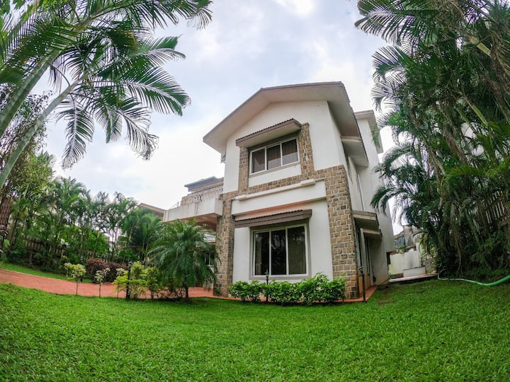 4 BHK IN GOLD VALLEY