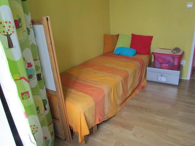 Petite chambre sympa - Montfort-le-Gesnois