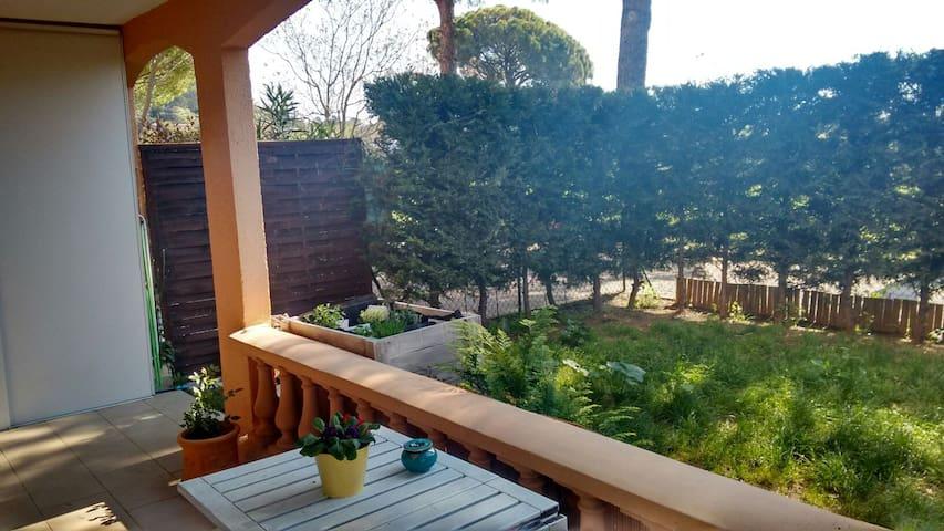 Joli 3 pièces avec jardin Var - Trans-en-Provence - Квартира