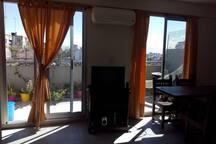Hermosa habitación en departamento