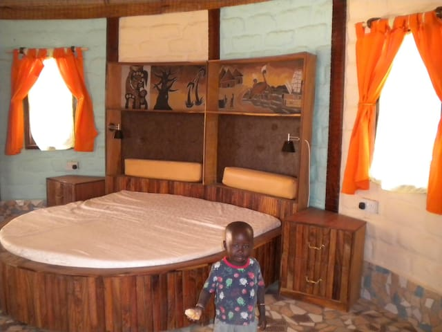 Queen beds in all Lodge's