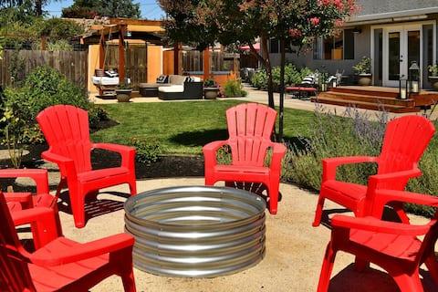 Sonoma Country Estate Near Square Hot-tub Fire Pit