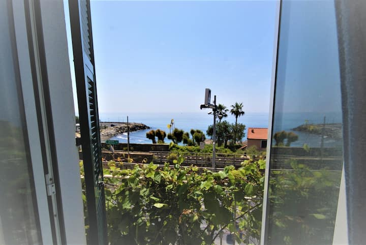 Aapartment with garden 300m from beach / Ap28
