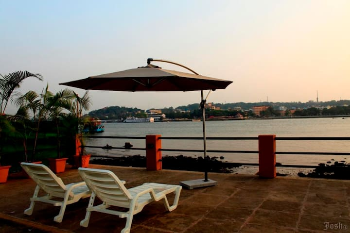 Luxurious River View Cottage At Betim Goa - Reis Magos