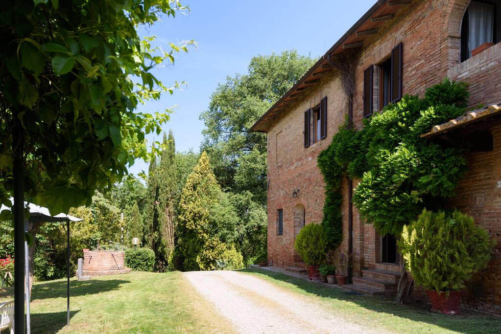 Holiday in the countryside siena vacation homes for rent in buonconvento tuscany italy - Vacation houses in the countryside ...