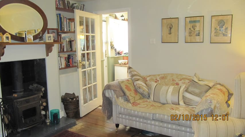 Quirky 3bed cottage 5min to station - Stansted Mountfitchet