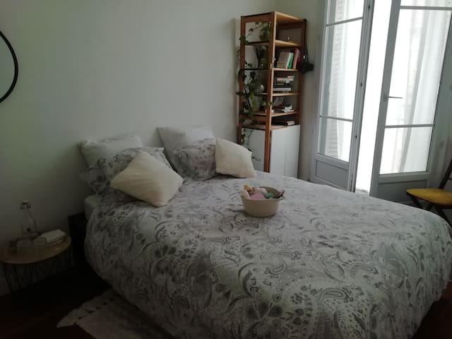 Chambre tout confort dans un appart raffiné