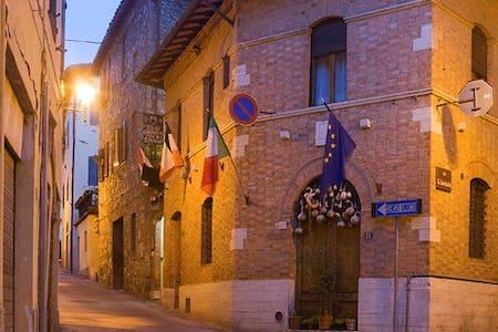IL POZZO DELLA CITERNA - Castelnuovo Berardenga
