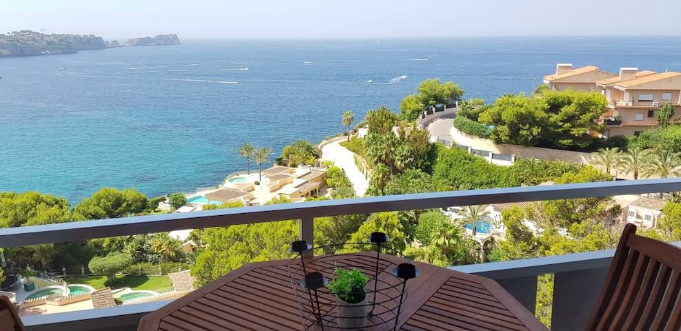 Perfect sea-view apartment, near Santa Pons!