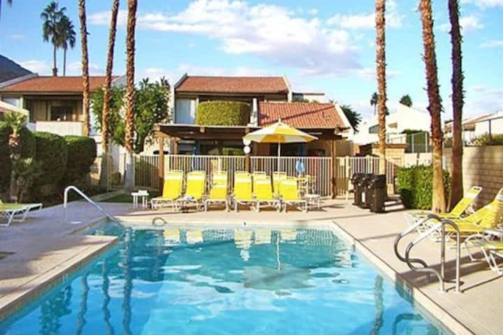 Palm Springs, Casitas del Monte condo (9/9-9/13)