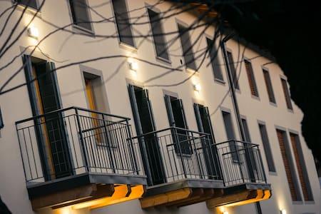 Agriturismo Mestroni 5 independent apartments