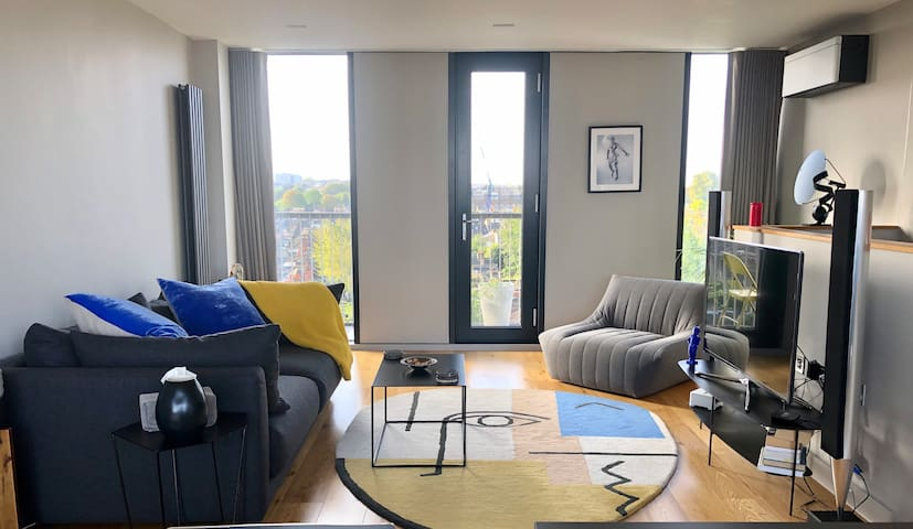 Modern 2bed with panoramic views. Clapham, Zone 2