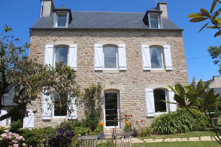 Maison bretonne à Portsall Jaune - Ploudalmézeau - Appartement