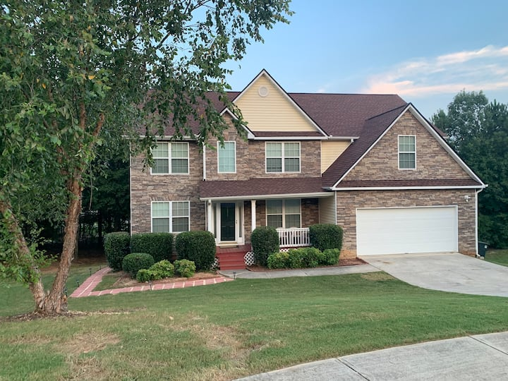 DISTINGUISHED 3BD PRIVATE APARTMENT HOME STYLE!!!