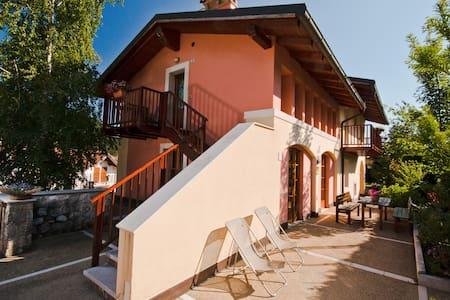 27 Casa Vacanze in Val di Gresta Italy - Ronzo-chienis