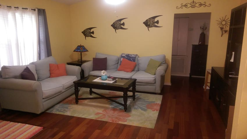 3 bedroom 2 bath fully furnished. - Okeechobee - Casa