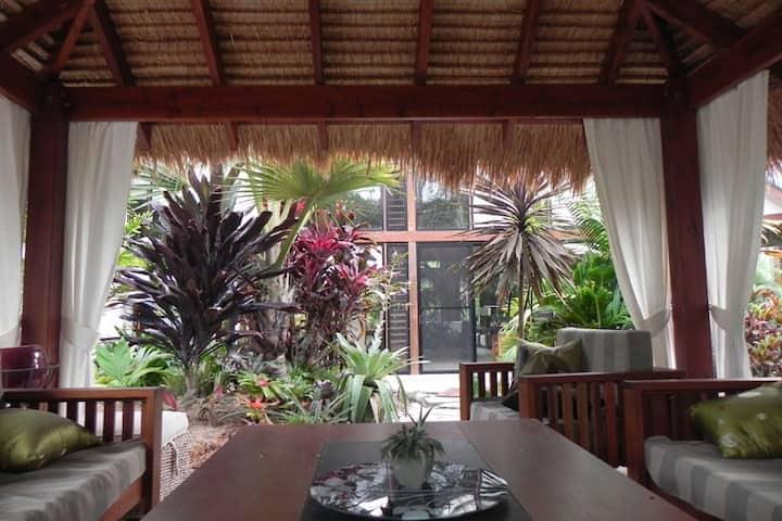 Forest Lodge: Bali-Style Retreat
