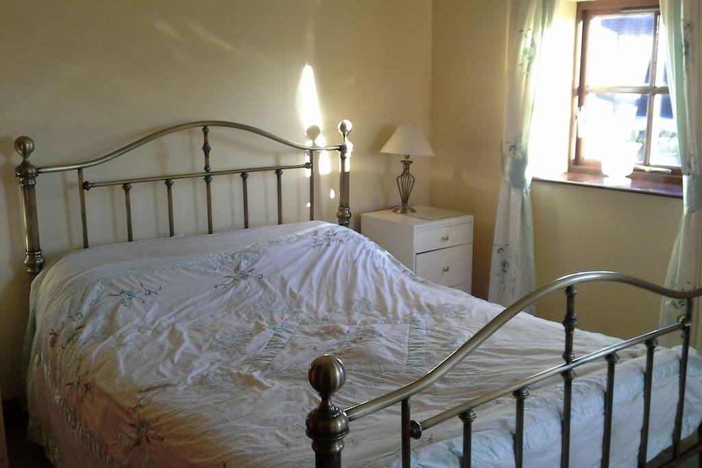 Double room with en-suite wet room