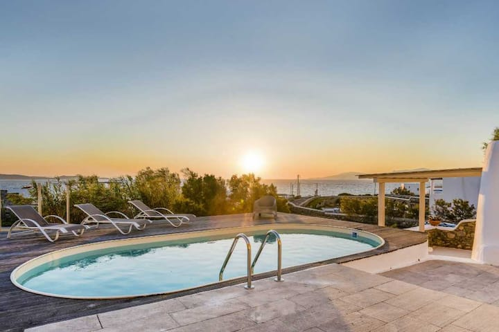 Villa in Kanalia. Amazing views of Delos & Sunset
