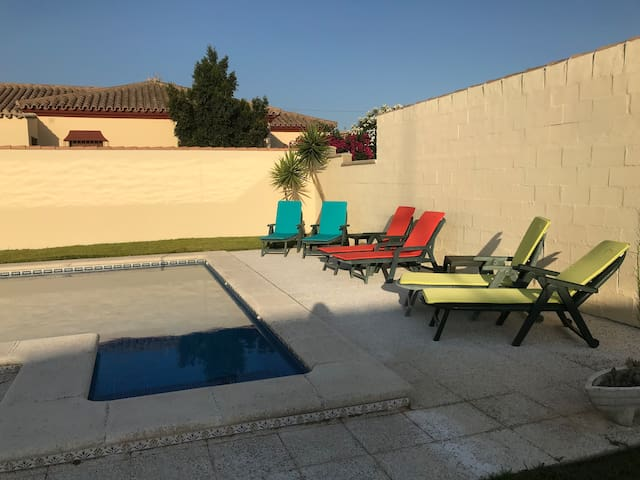 Lovely Chalet with private pool near Chiclana
