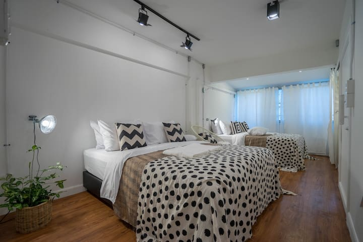2 double bed in a cute room
