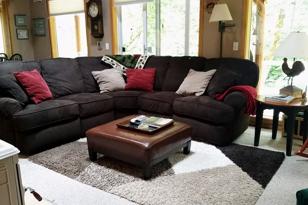 Comfy living area for games, movies and conversation