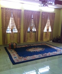 Cozy Village House, Ample Parking - Pasir Mas - Talo