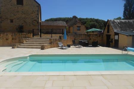 Stone barns with swimming pool - Jayac