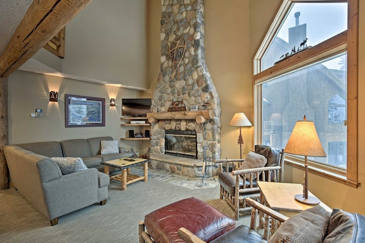 NEW! Comfy Lutsen Mountain Villa w/ Balcony, Grill