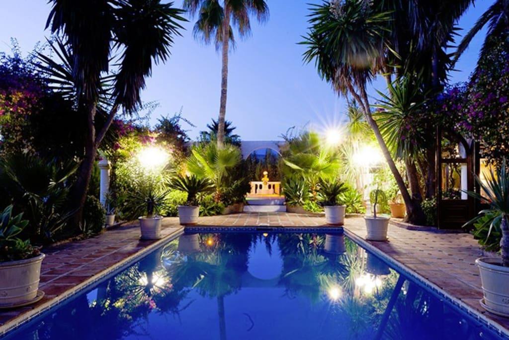 Stunning pool by night - San Pedro de Alcantara villa rental