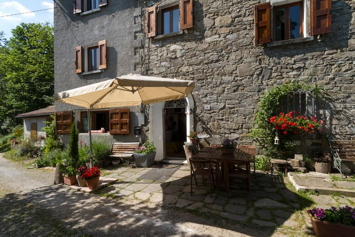 Country Lodge in the forest Pistoia - Orsigna - Casa