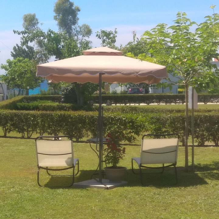 Villa Nadia (60m. from the beach on foot)