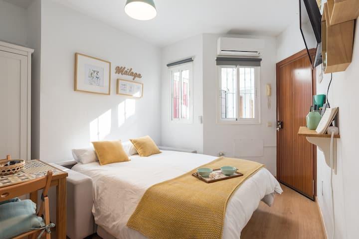 Au Coeur de Málaga! Studio Calme & Cozy + Terrasse