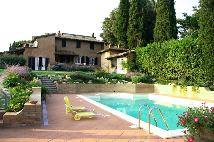Villa between Tuscany and Umbria - Casamaggiore - Vila